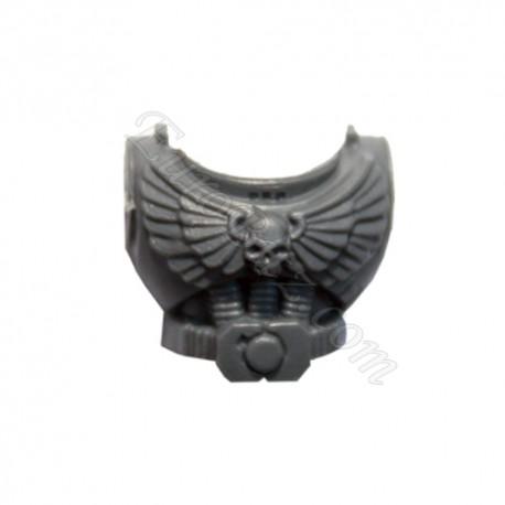 Torse avec crâne et ailes